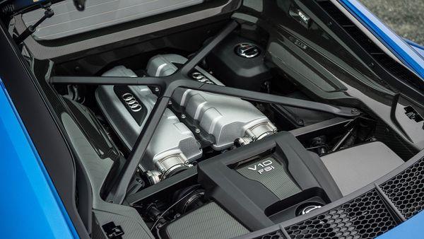 2015 Audi R8 V10 Plus engine
