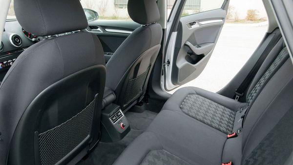 2013 Audi A3 Sportback seats
