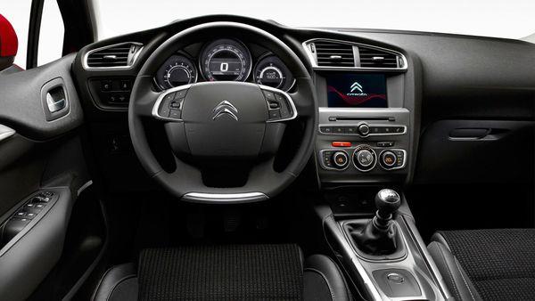 2015 Citroen C4 interior