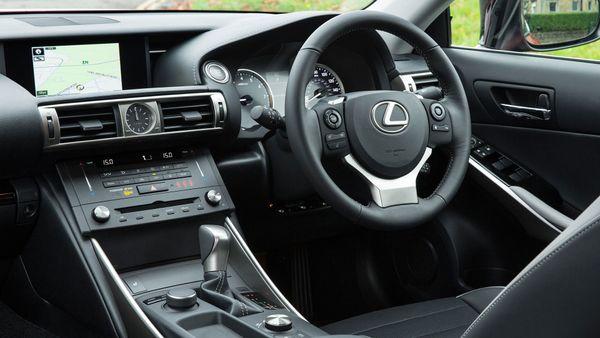 2015 Lexus IS interior