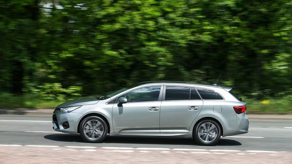 2015 Toyota Avensis Touring Sports D-4D