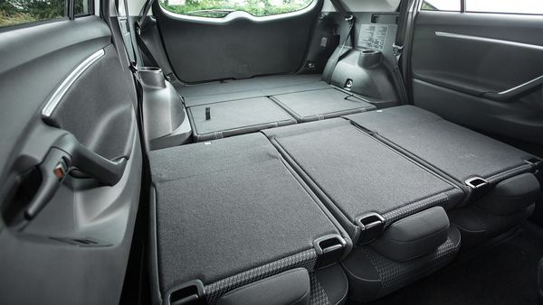 2013 Toyota Verso boot