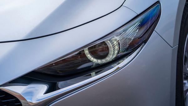 Mazda3 Saloon