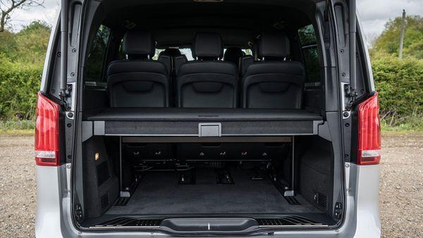 2015 Mercedes-Benz V-Class boot divider up