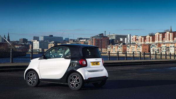 Smart fortwo Coupe (2015 - ) rear static