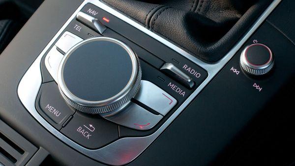 2013 Audi A3 Sportback dash