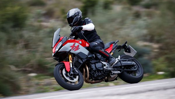 BMW F900 XR review