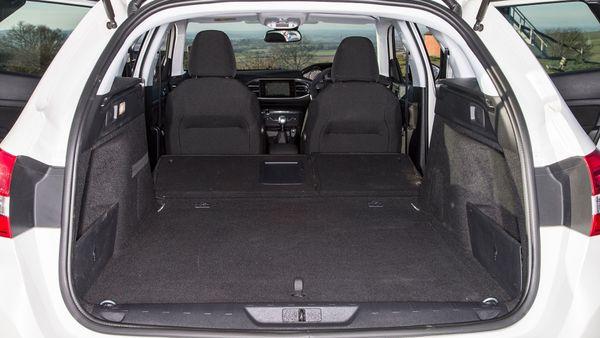 Peugeot 308 SW practicality