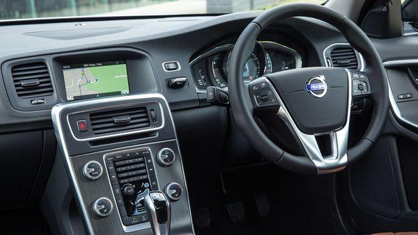 2013 Volvo S60 interior