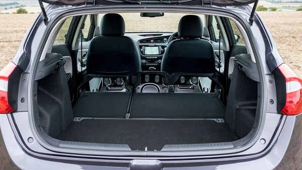 2015 Kia Cee'd practicality