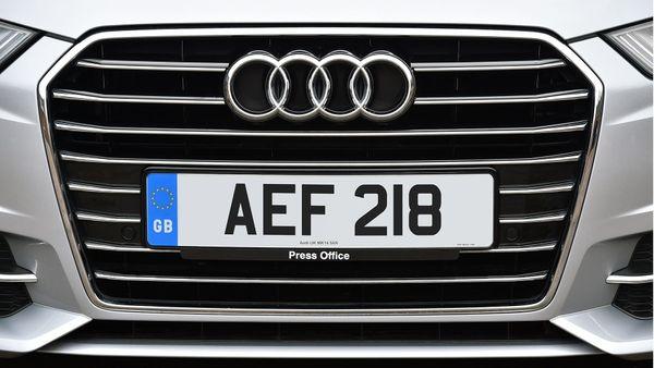 Audi A6 Avant grille