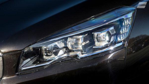 014 Peugeot 508 SW headlight
