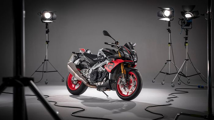 Aprilia Tuono 1100 V4 Naked (2019 - ) review | Auto Trader UK
