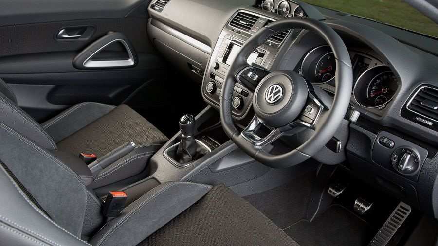 2015 Volkswagen Scirocco interior