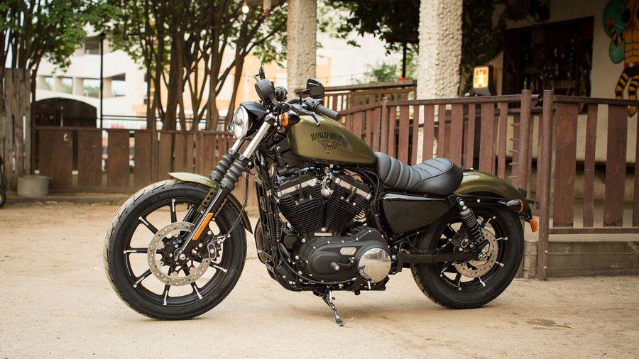 Harley-Davidson 883 Iron review (2009 - )   Auto Trader UK