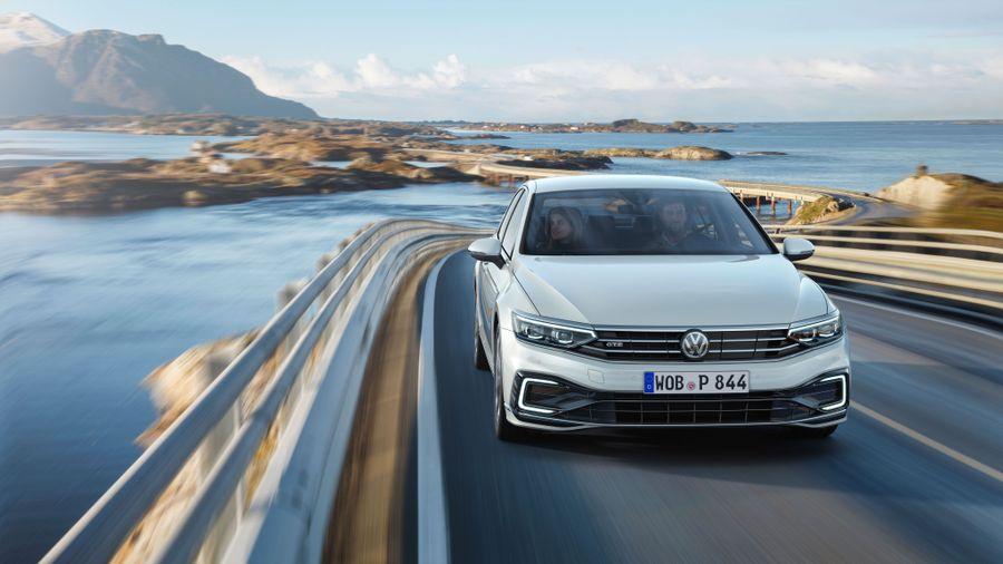 Volkswagen Passat Estate (2019 - ) review | Auto Trader UK