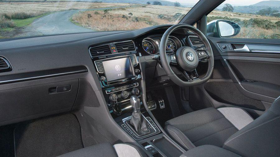 Volkswagen Golf R practicality