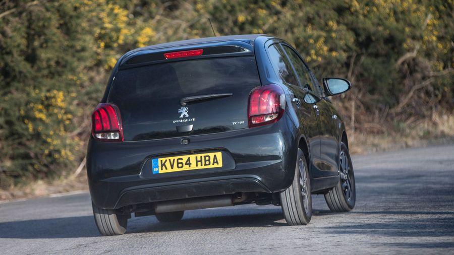 Peugeot 108 handling