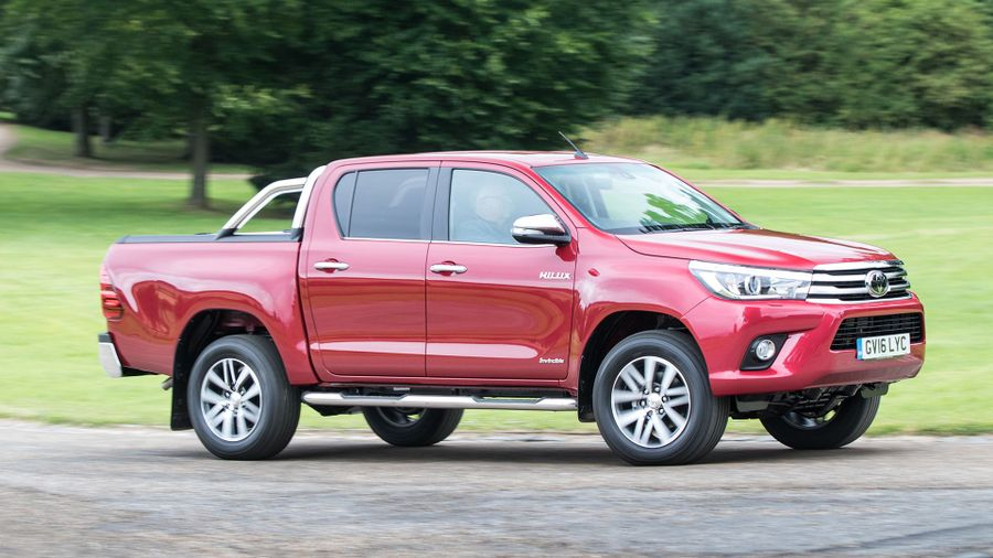 aabebdff44 Toyota Hilux Pickup (2015 - ) MK8 review