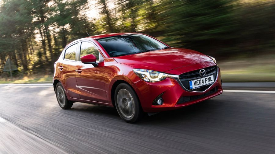mazda 2 hatchback 2015 review auto trader uk. Black Bedroom Furniture Sets. Home Design Ideas