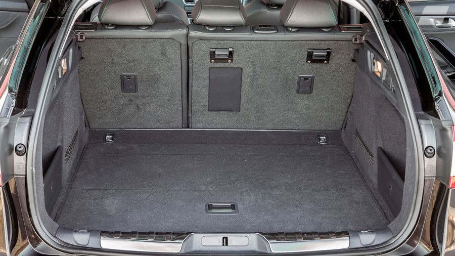 014 Peugeot 508 SW Allure boot seats up