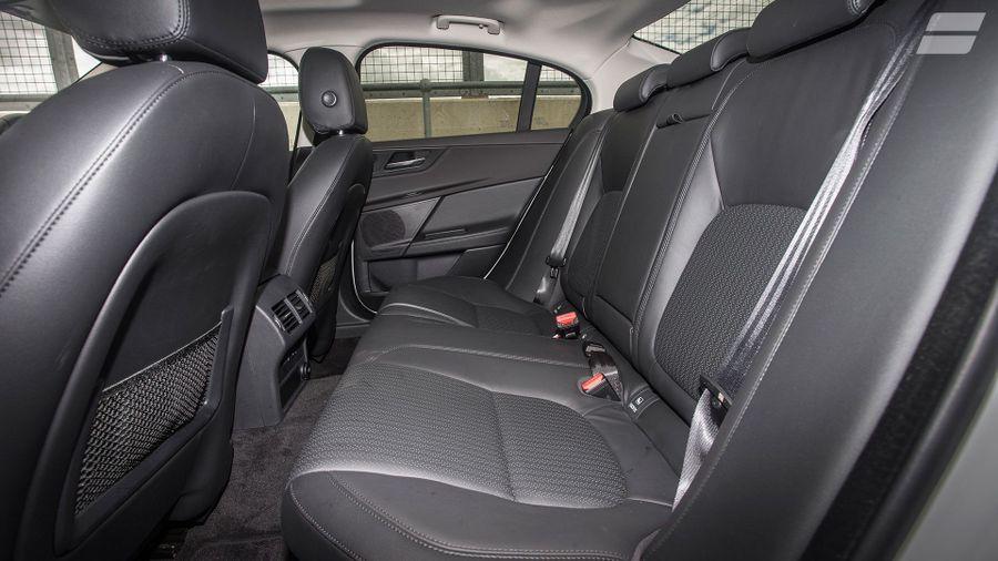 2015 Jaguar XE space