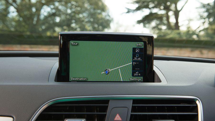 2015 Audi Q3 sat-nav