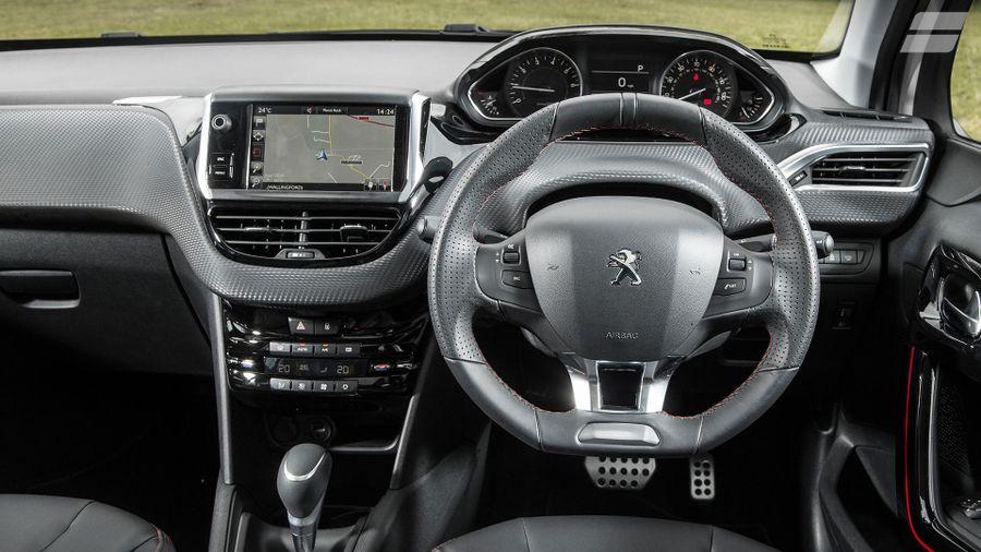 Peugeot 208 interior