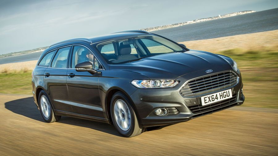 Ford Mondeo Estate front tracking