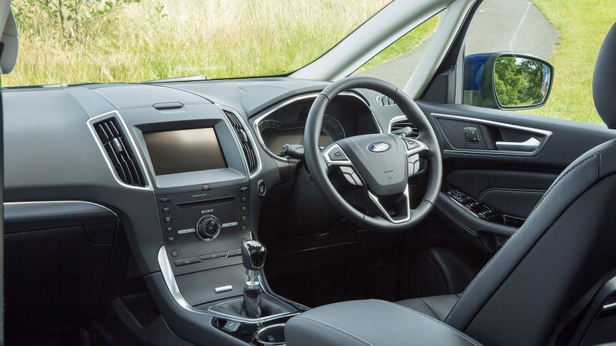 2015 Ford S-Max equipment