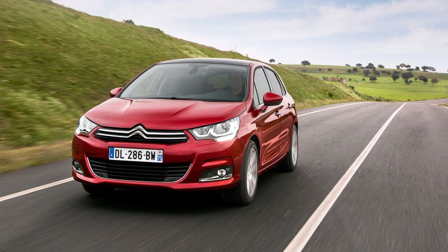 2015 Citroen C4 Blue HDi driving