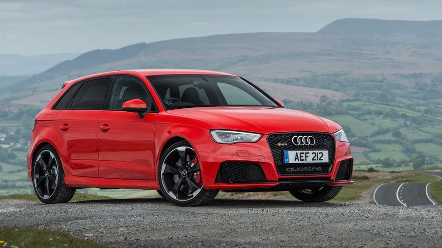 Audi RS 3 exterior