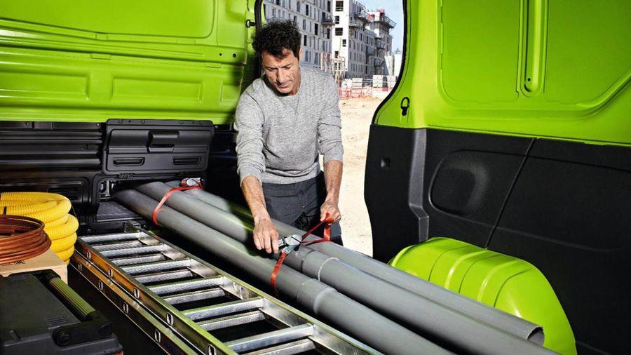Renault Trafic Panel Van (2014 - ) review | Auto Trader UK