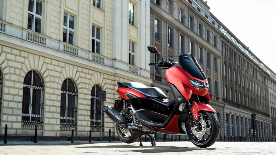 Yamaha NMAX Scooter (2021 - ) review