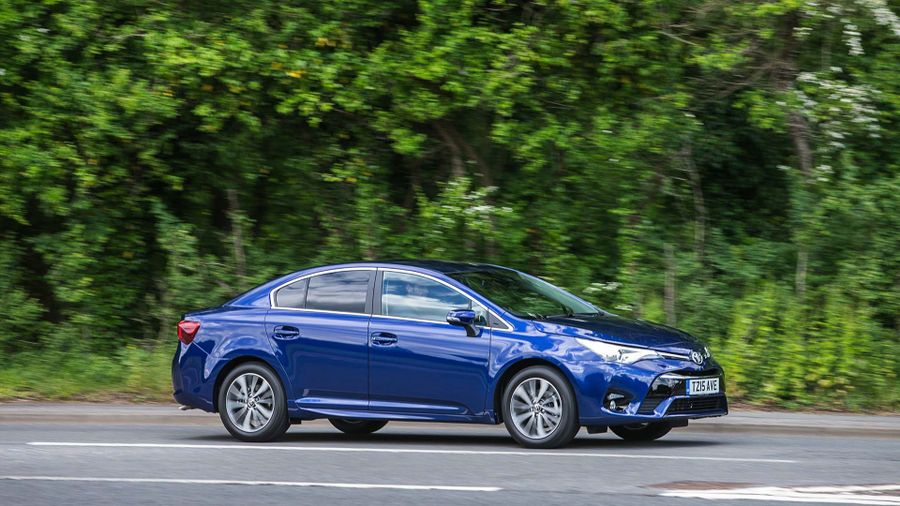 2015 Toyota Avensis 1.6 D-4D saloon