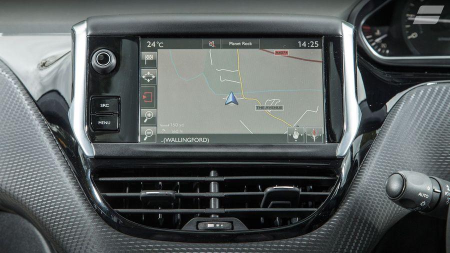 Peugeot 208 equipment