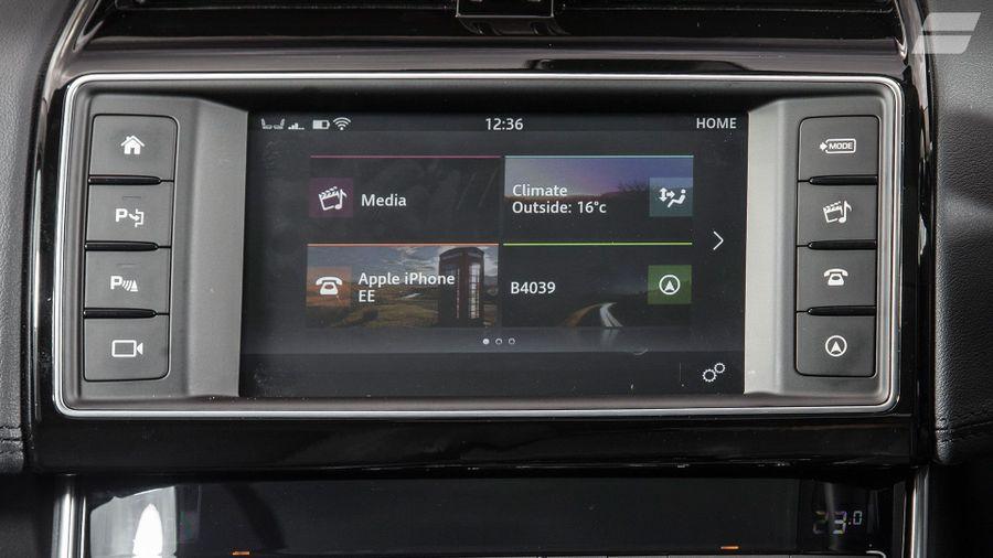 2015 Jaguar XE equipment