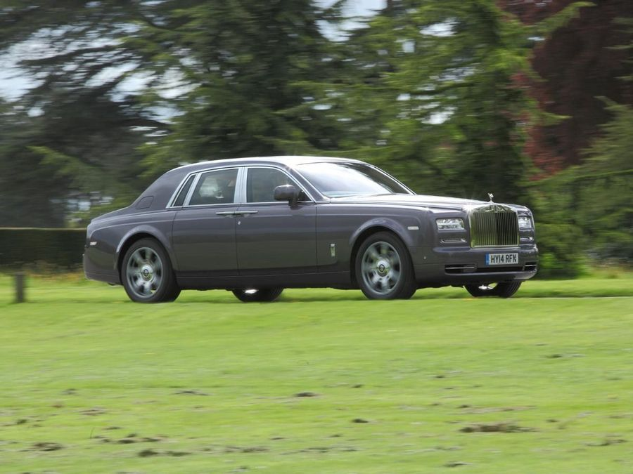Rolls-Royce Phantom saloon